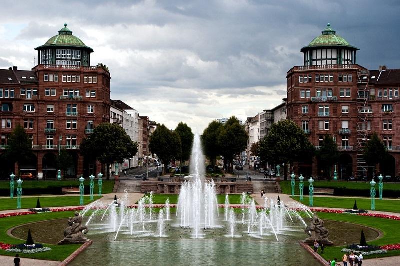 Mannheim_Friedrichsplatz